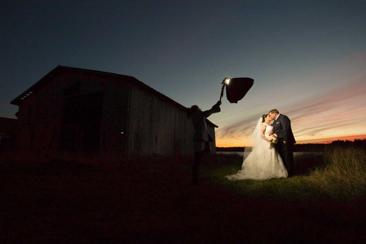 newlyweds lit with off-camera lighting