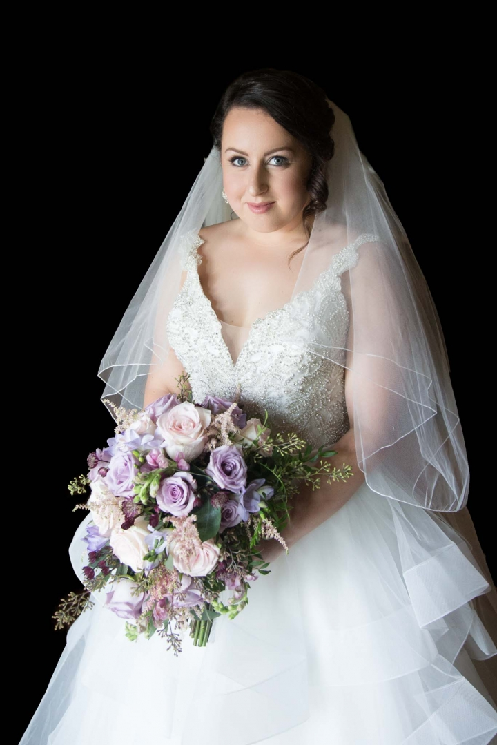 bridal wedding photography with bouquet